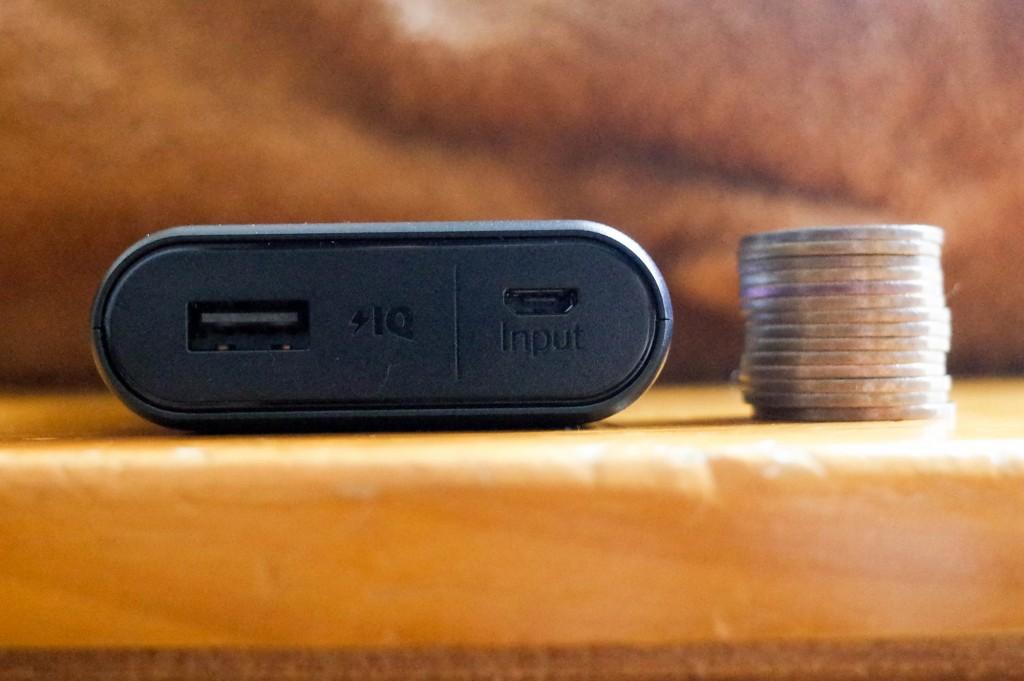 10円玉と厚みを比較