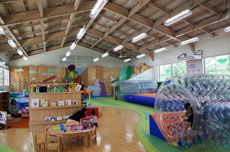 わくわくヒルズ 新潟県阿賀野市の全天候型こども屋内遊び場に行ってきた。我が子も夢中で、こんな施設が近所に欲しい!