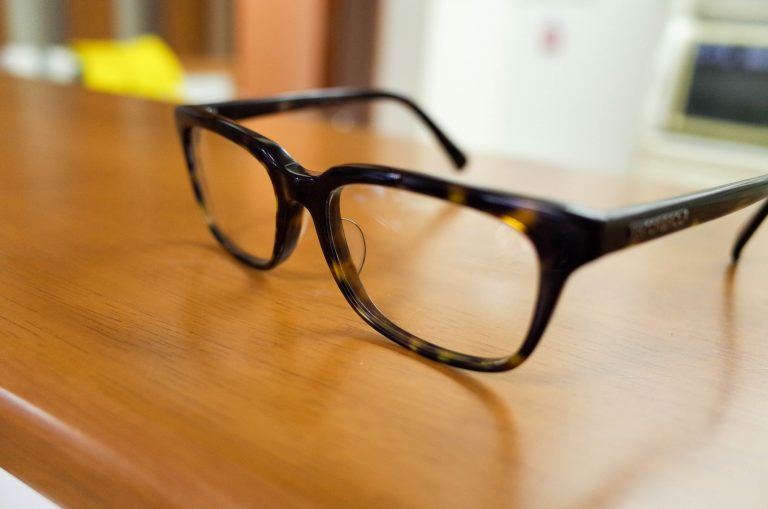 【創和 メガネ拭き】と【ソフト99コーポレーション メガネのシャンプー】 子どものメガネの手入れはこの2つがいいかも!