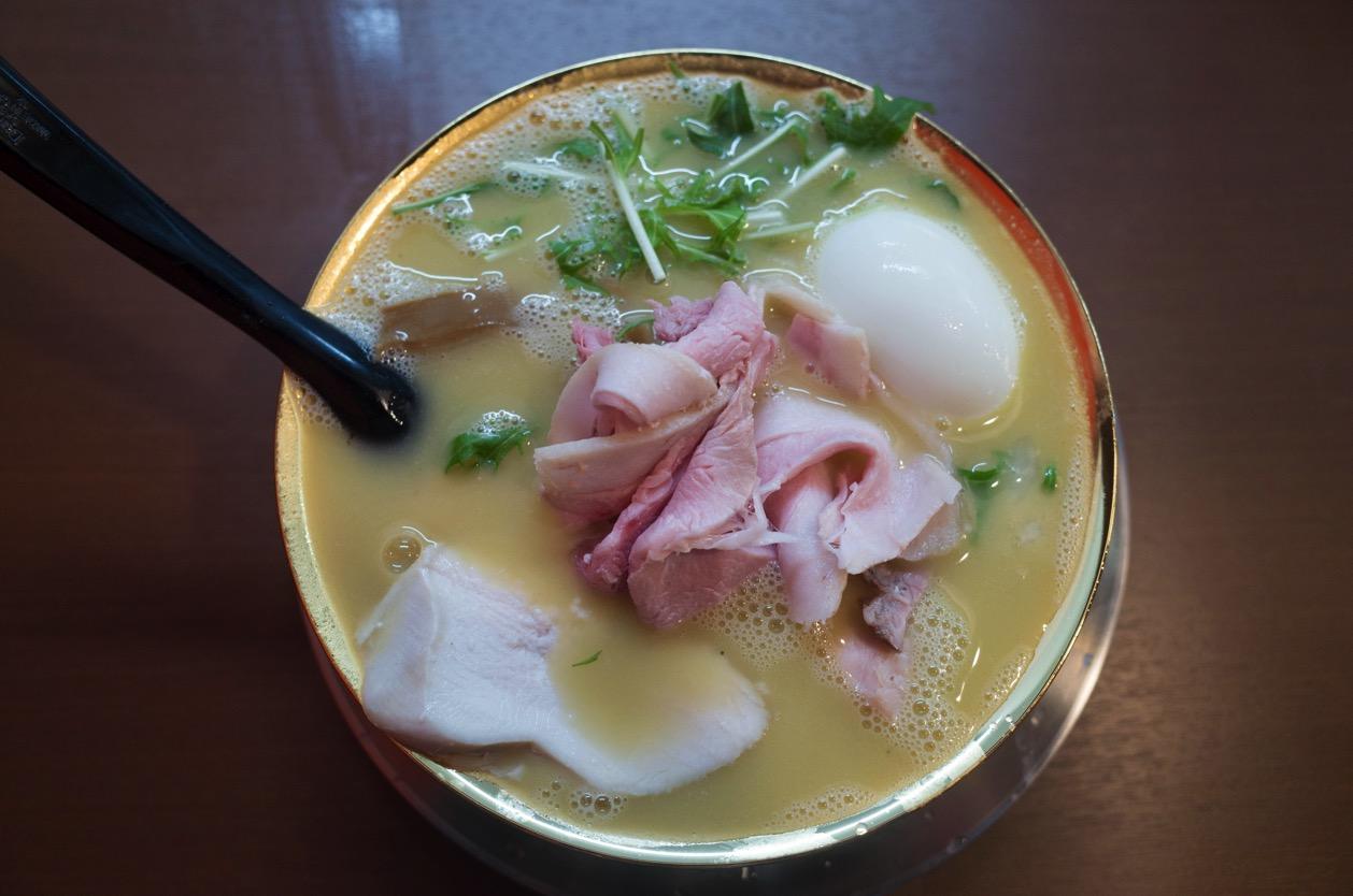 鶏と煮干しの中華そば 市松(いちまつ) 潤グループの新店で【極鶏白湯】を食べた!