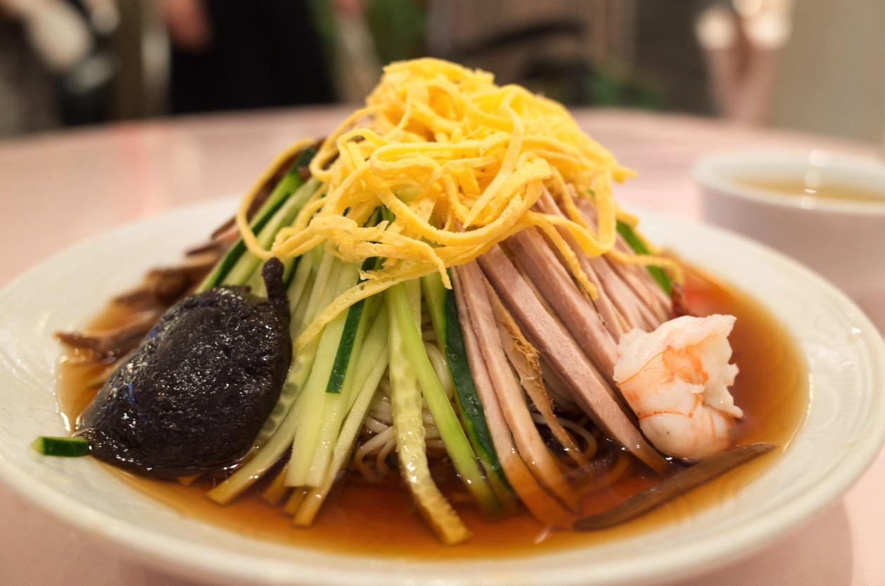 揚子江菜館 神田神保町にある冷やし中華発祥の店で五色涼拌麺(ごもくひやしそば)を食べた!