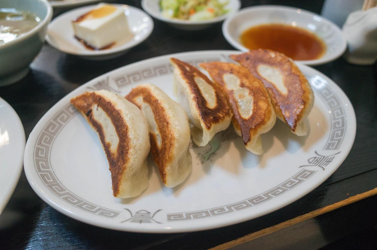 栄華楼(新潟市中央区沼垂) 地域に愛される老舗中華料理店で名物の餃子ライスを食べた!