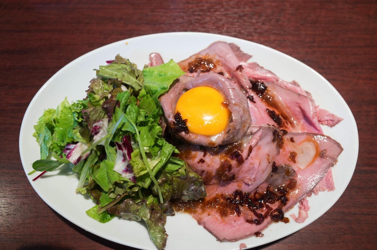 サクラギブッチャーホーリーズ(新潟市中央区女池南)で名物のオリジナルローストビーフ丼を食す!