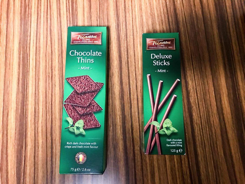 トリアノンの【クリスピーチョコレート ミント】と【チョコレートスティック ダークミント】。冬季限定のチョコミントをカルディで見つけたので食べてみた!