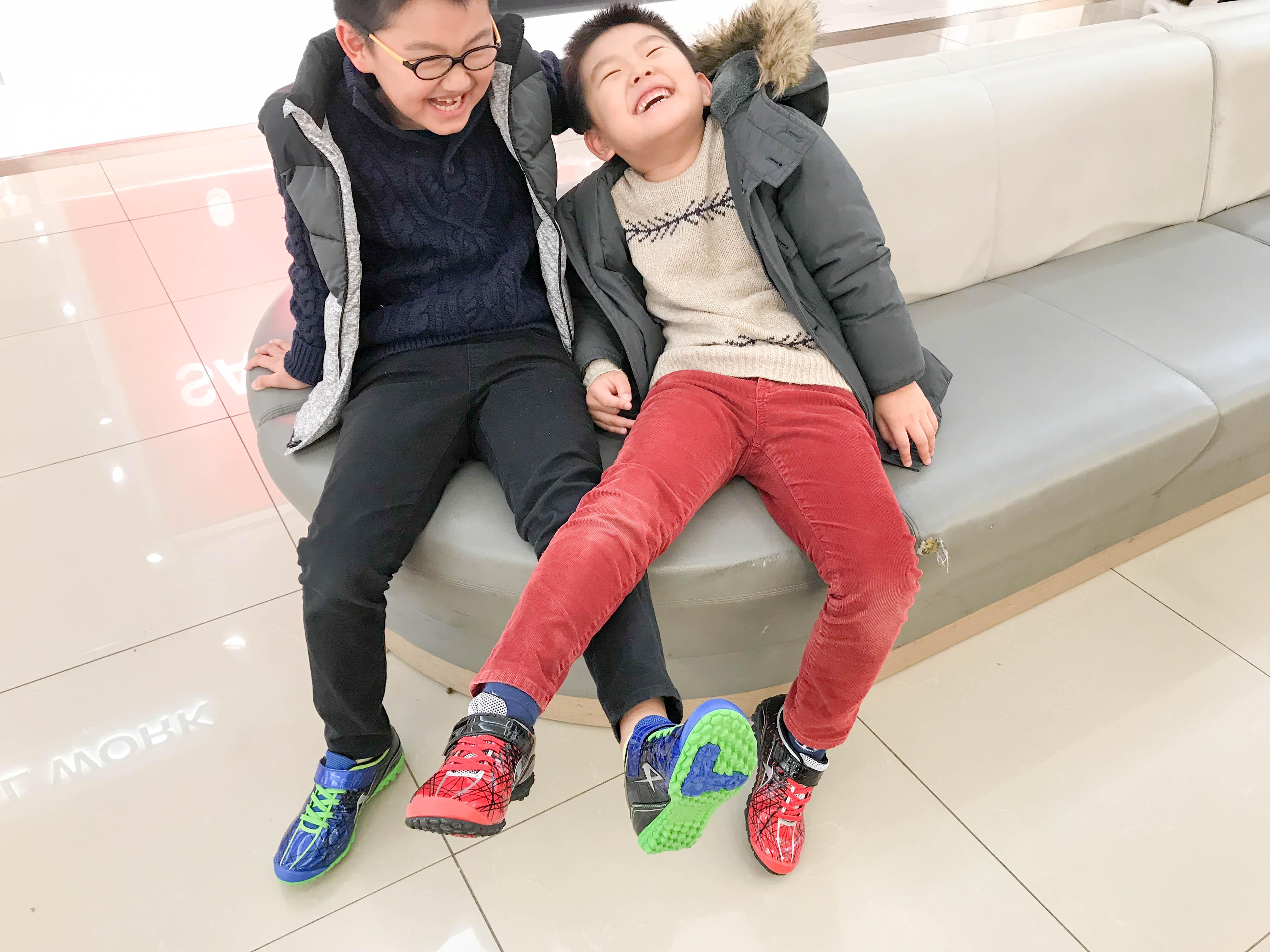 【子供用スニーカー】ASAHI(アサヒ)の『ガチ強』は新潟の子供こそ履くべき靴だ!
