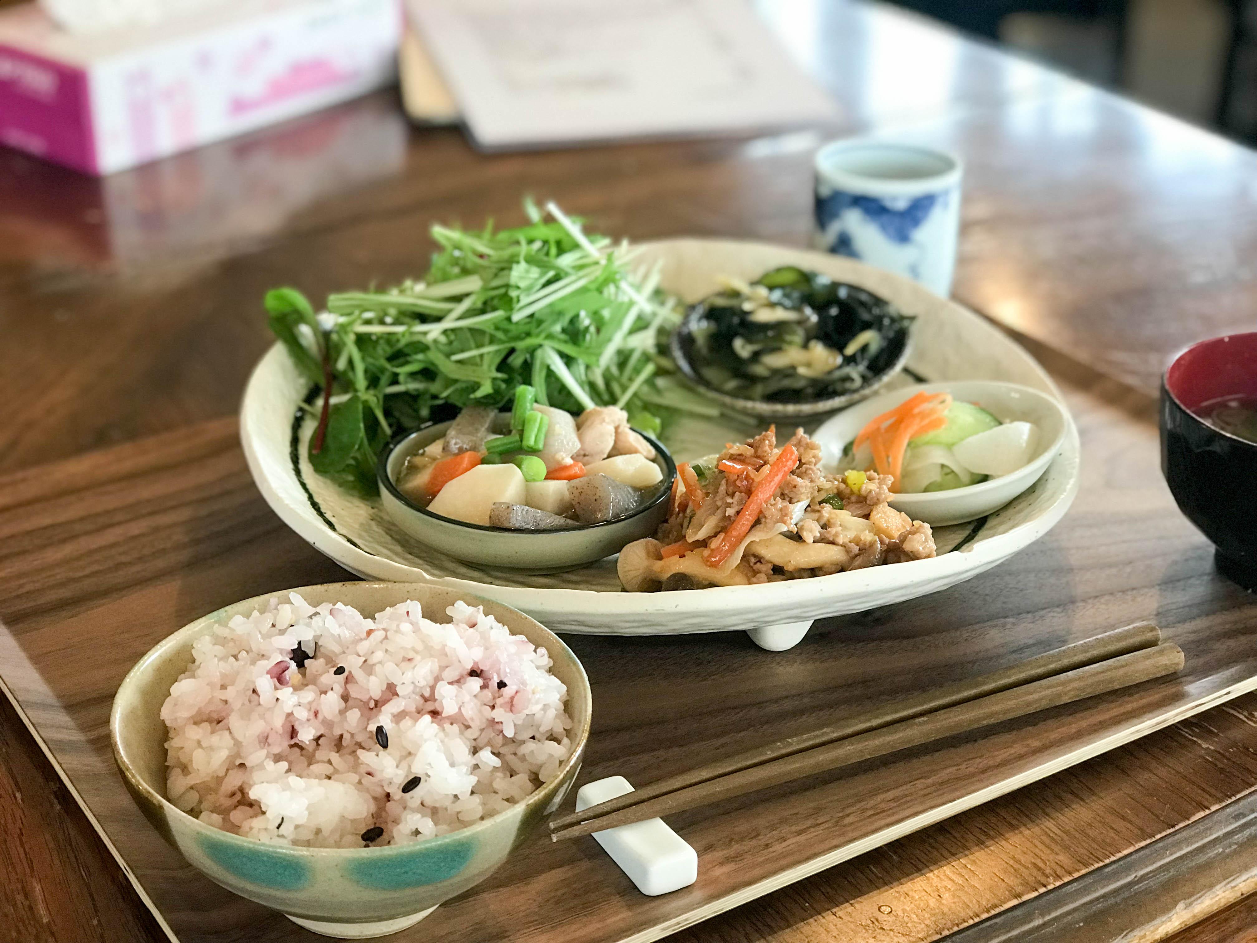 モリスバ・カフェ(新潟市西区坂井東)で10食限定のランチを食す!体に優しいご飯を食べたくなったらココですね!