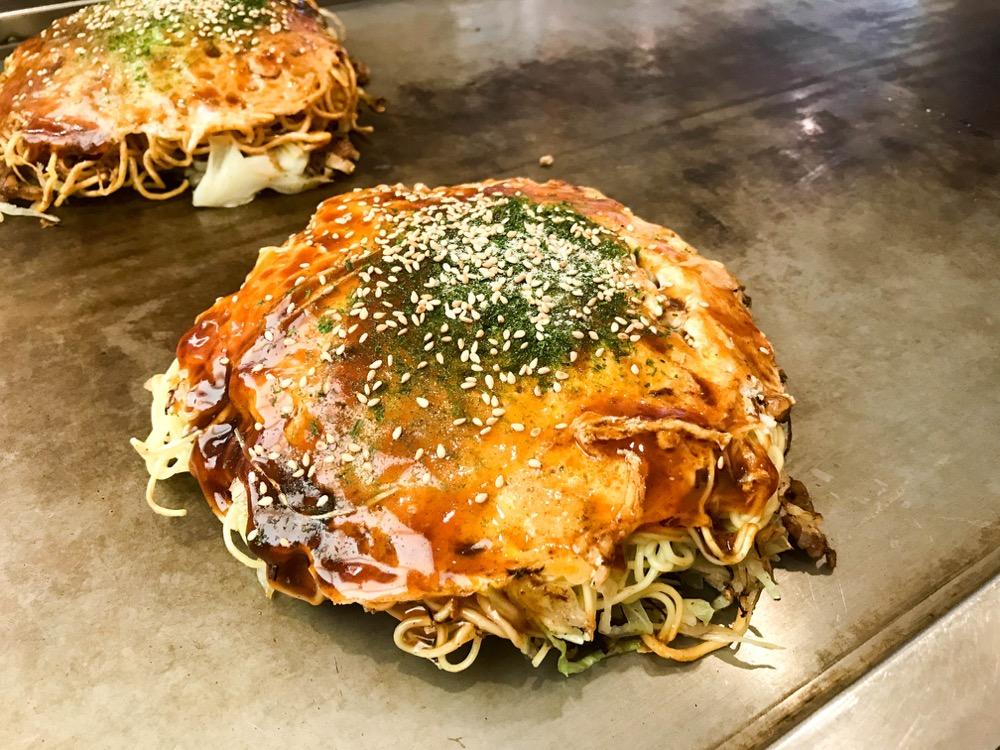 楓(広島市安佐南区八木) 安佐南区屈指の人気お好み焼き店は完成度が高くてふんわり食感。