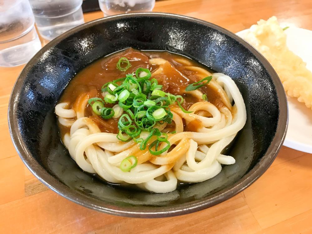 セルフうどん キリン(香川県高松市新田町)のカレーうどんが美味。コクのあるカレーに柔らかめのうどん!