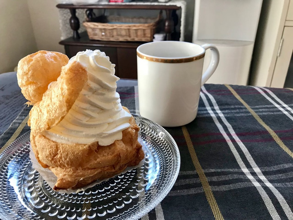 FUJIYA FACTORY(不二家)【クリーム好きのためのクリームたっぷりパイシュー】の背徳感たるや!